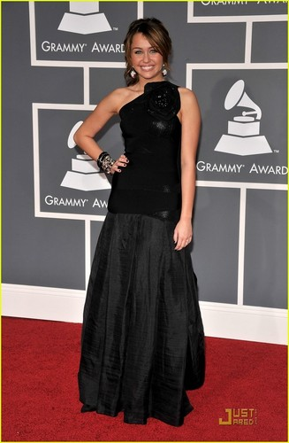 Miley Cyrus- Grammy's 2009
