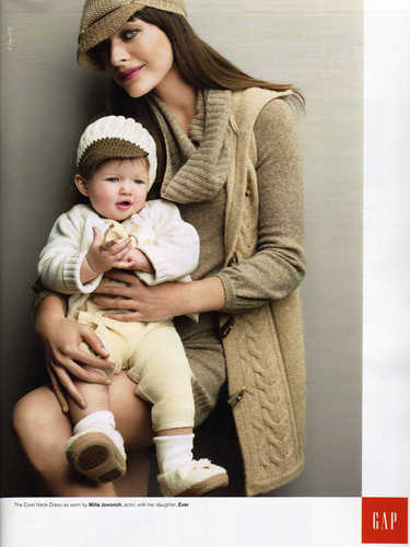 Milla & Ever in Gap Holiday 2008 Ad