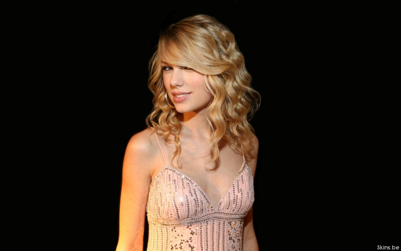 Taylor Swift - Picture Hot