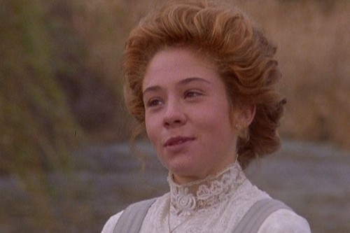 Anne of Green Gables wallpaper possibly containing a portrait titled Anne of Avonlea