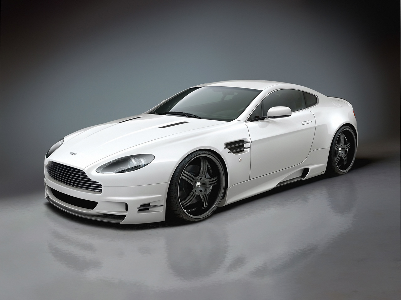 Aston Martin Wallpaper (4300418)