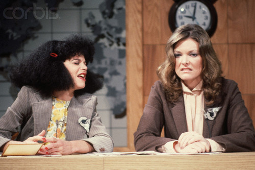 Gilda Radner wallpaper entitled BE057559| Standard RM| © Lynn Goldsmith/CORBIS Gilda Radner & Jane Curtin On SNL