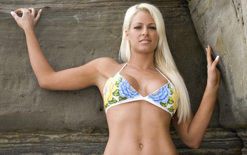 Maryse Ouellet wallpaper with a bikini titled Maryse.
