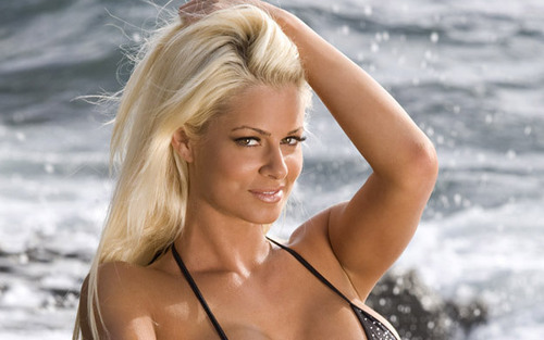 Maryse Ouellet wallpaper probably containing a bikini titled Maryse.