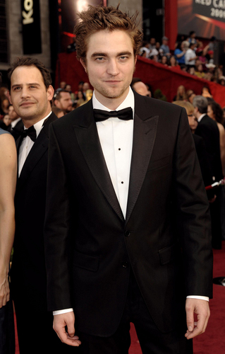 Rob Pattinson 2009 - Red Carpet