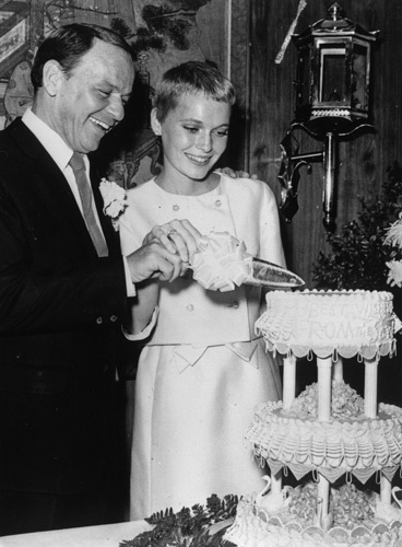 Frank Sinatra and Mia Farrow's Wedding