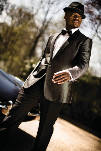 Ne-Yo 壁紙 containing a business suit, a suit, and a well dressed person entitled NE-YO