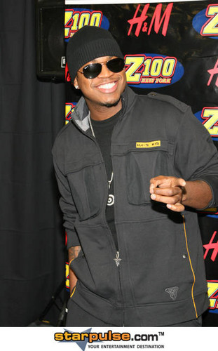 Ne-Yo 壁紙 possibly with sunglasses and a green ベレー, ベレー帽 entitled NE-YO
