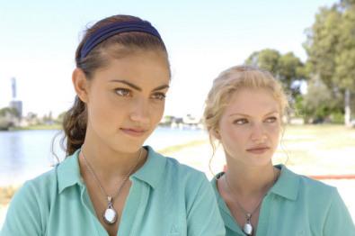 Phoebe Tonkin & Cariba Heine