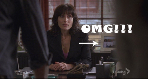 Foto of Lisa E and her family on Cuddy's desk!