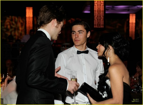 Vanessa Hudgens And Zac Efron 2009. Zac Efron and Vanessa
