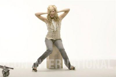 Photoshoot 01 - Sheryl Nields-2007 Ashley-ashley-tisdale-4401099-400-266