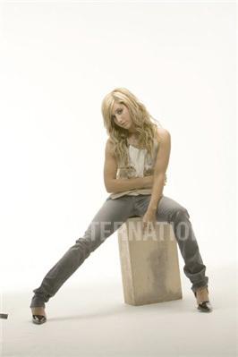 Photoshoot 01 - Sheryl Nields-2007 Ashley-ashley-tisdale-4401303-266-399