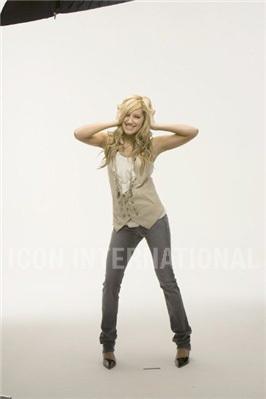 Photoshoot 01 - Sheryl Nields-2007 Ashley-ashley-tisdale-4401312-266-399