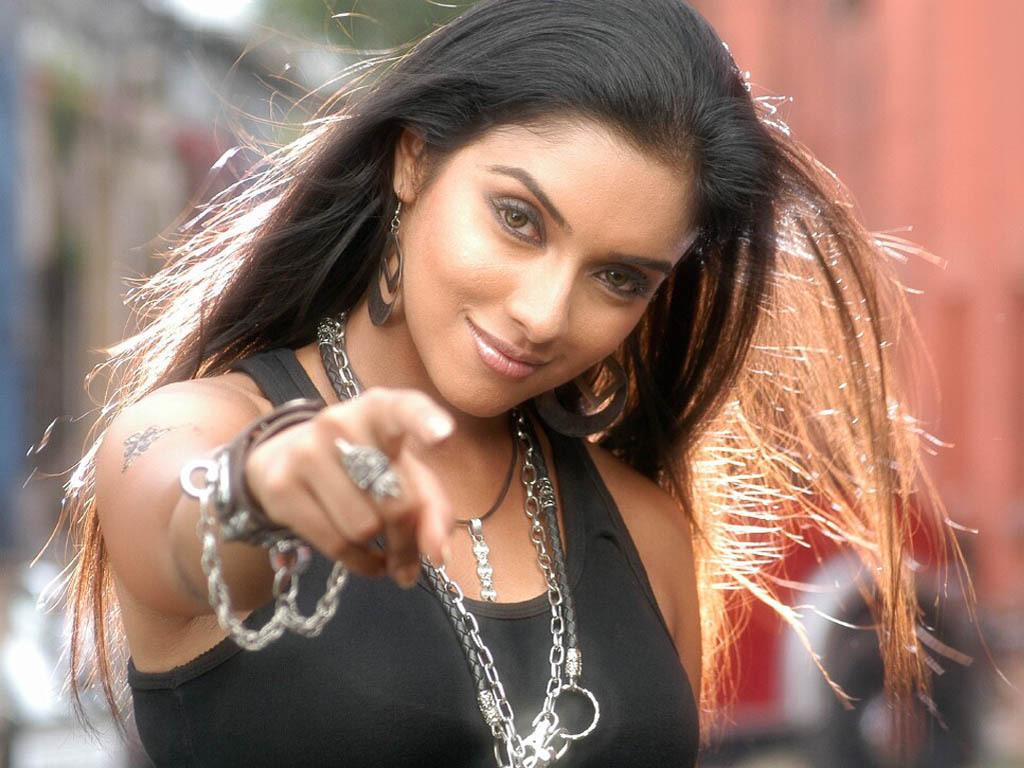 Sexy Bollywood Stars 44