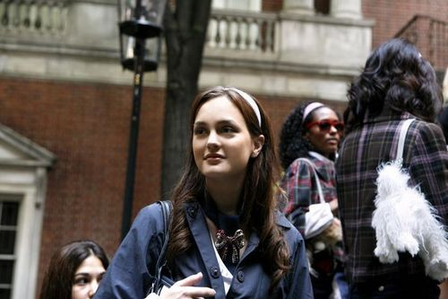 Blair Waldorf Fashion wallpaper with a street entitled 1.03
