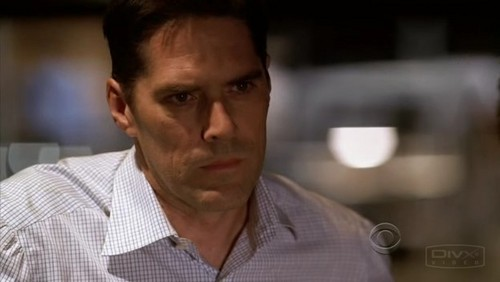 SSA Aaron Hotchner वॉलपेपर possibly with a portrait called Aaron Hotchner