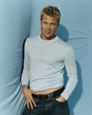Brad Pitt wallpaper possibly containing a leisure wear, a pantleg, and bellbottom trousers titled Brad