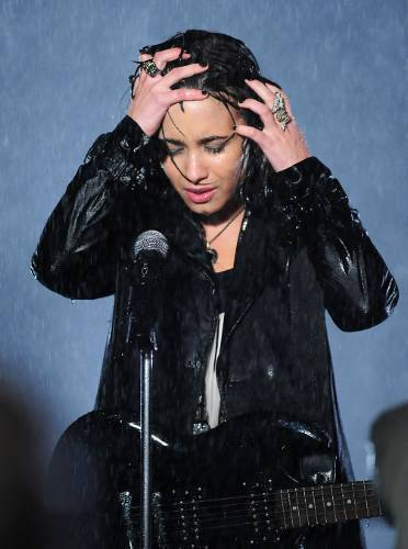 "Demi on the set of ""Don't Forget"" muziek video"