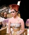 Elizabeth as Cleopatra