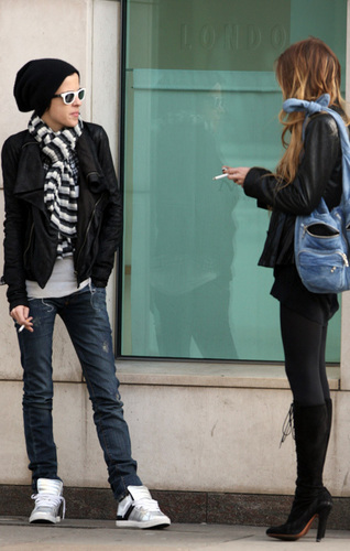 Lindsay with Sam Shopping in London