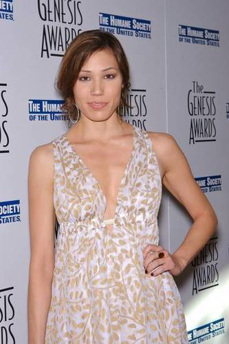 Michaela Conlin wallpaper probably containing a portrait called Michaela