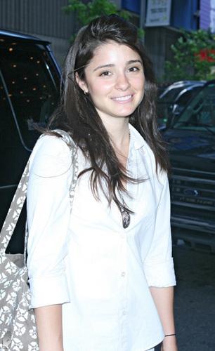 Shiri Appleby Candids - June 05, 2007