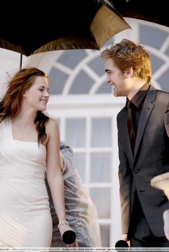 Kristen Stewart and Robert Pattinson at the Twilight Tokyo Japan Premiere