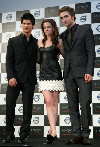 Twilight' Press Conference in जापान