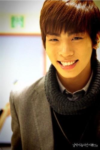:) Smile Jonghyon