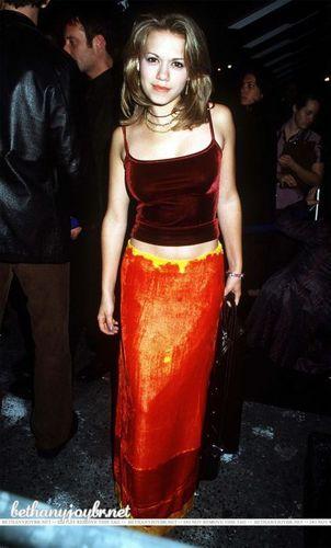 09-17-1999: Vivienne Westwood Fashion ipakita <3