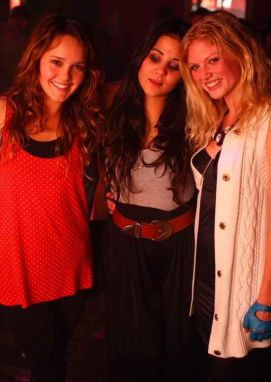 http://images2.fanpop.com/images/photos/4600000/Cariba-Heine-cariba-heine-and-phoebe-tonkin-4600984-271-382.jpg