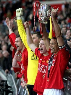 Manchester United 壁紙 probably with a バスケットボール, バスケット ボール player called Carling Cup 09
