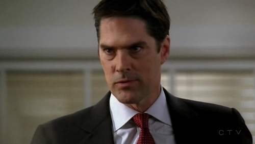 SSA Aaron Hotchner 壁纸 containing a business suit, a suit, and a three piece suit called Hotch