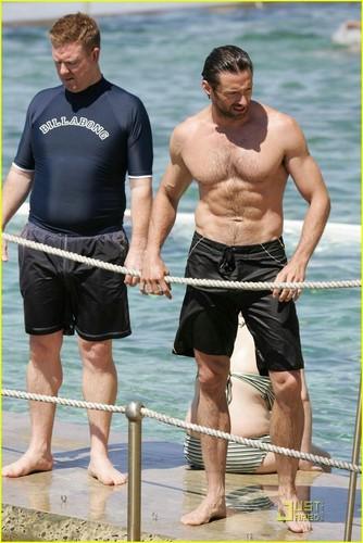 Hugh's 바닷가, 비치 body