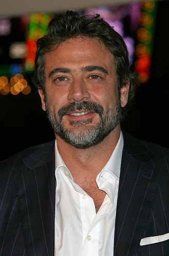 Jeffrey Dean morgan wallpaper with a business suit and a suit titled Jeffrey @ LA Watchmen - O Filme Premiere