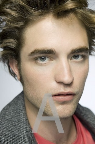 Robert Pattinson/edward cullen