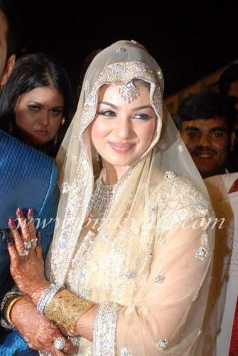 celeb weddings wallpaper called ayesha takias wedding