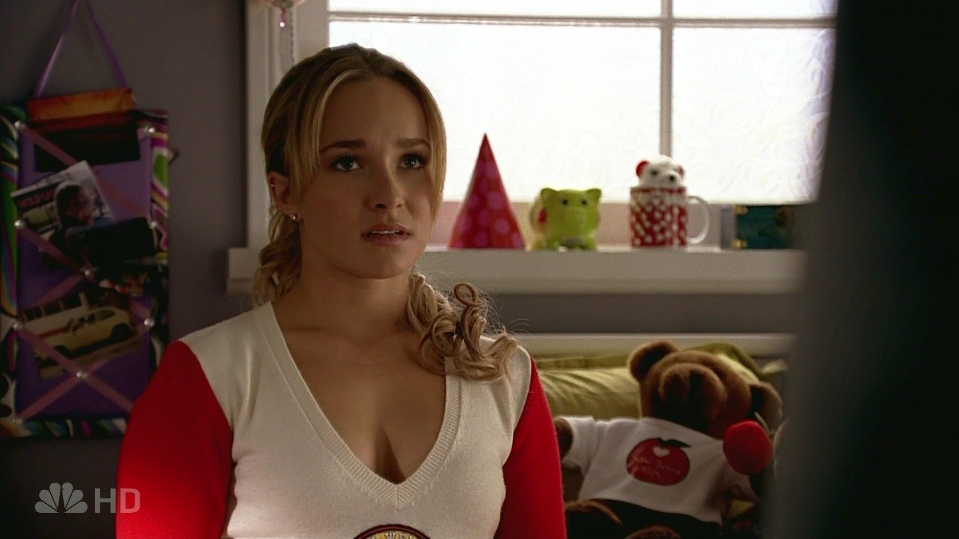 1x10 Six Months Ago - Claire Bennet Image (4726382) - Fanpop