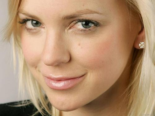 Anna Faris wallpaper with a portrait titled Anna