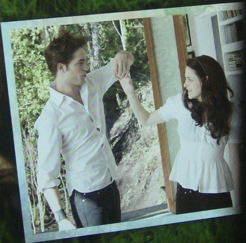 Bella Edward