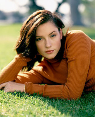 그레이 아나토미 바탕화면 probably with a portrait called Chyler Leigh