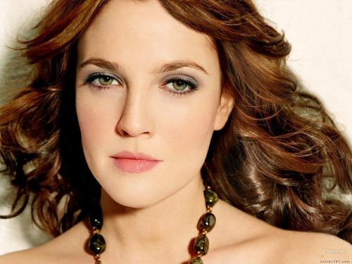 Drew Barrymore wallpaper with a portrait and attractiveness called Drew