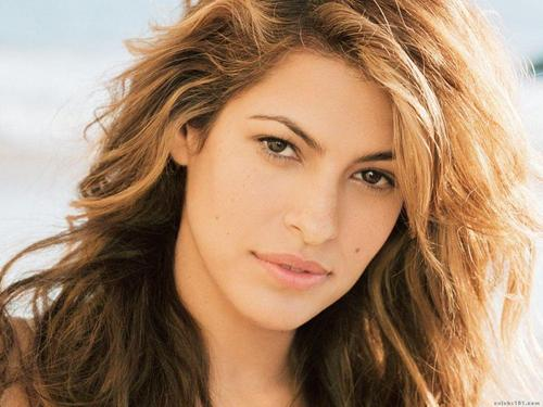 eva mendes wallpaper containing a portrait and attractiveness called Eva Mendes