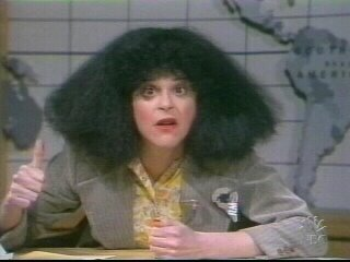 Gilda Radner দেওয়ালপত্র possibly containing a bearskin, a sign, and a portrait entitled Gilda Radner
