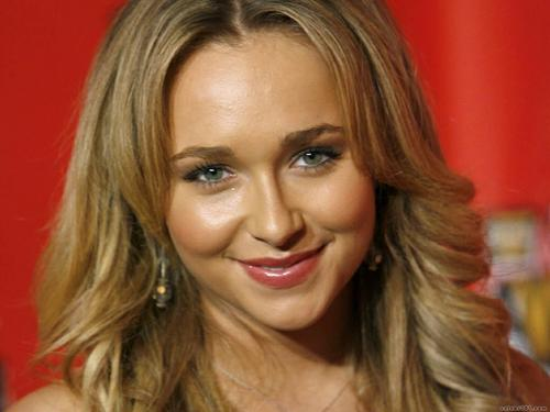 Hayden Panettiere wallpaper with a portrait entitled Hayden Panettiere