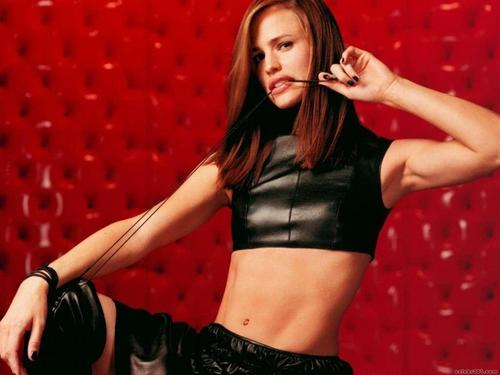 जेनिफ़र गार्नर वॉलपेपर possibly containing a hip boot, गर्म पैंट, हॉट पैंट, and attractiveness called Jennifer Garner