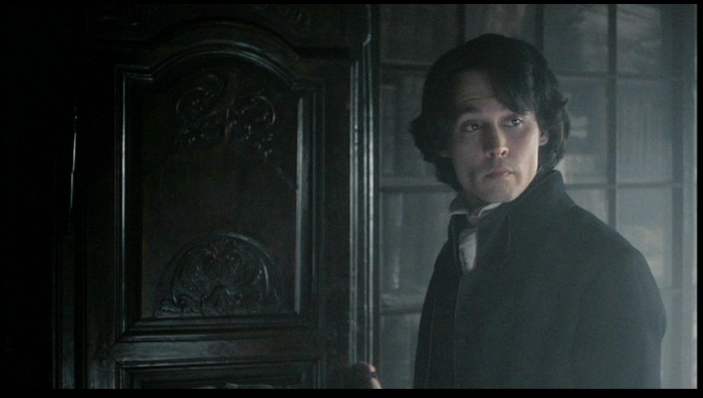 http://images2.fanpop.com/images/photos/4700000/Johnny-in-Sleepy-Hollow-johnny-depp-4771715-1024-580.jpg
