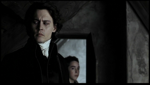 http://images2.fanpop.com/images/photos/4700000/Johnny-in-Sleepy-Hollow-johnny-depp-4771772-500-283.jpg