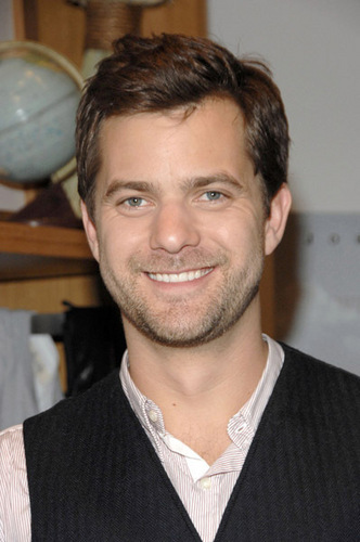 Joshua Jackson wallpaper possibly containing a business suit entitled Joshua Jackson